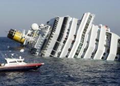 游輪遭遇海難,丈夫不顧妻子跳上了救生艇 獨自逃生…. 妻子站在漸沉的船上,喊出了一句話..
